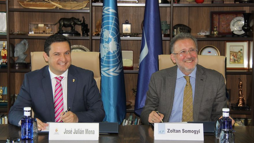 José Julián Mena y Zoltan Somogyi, de la OMT, este miércoles en Madrid