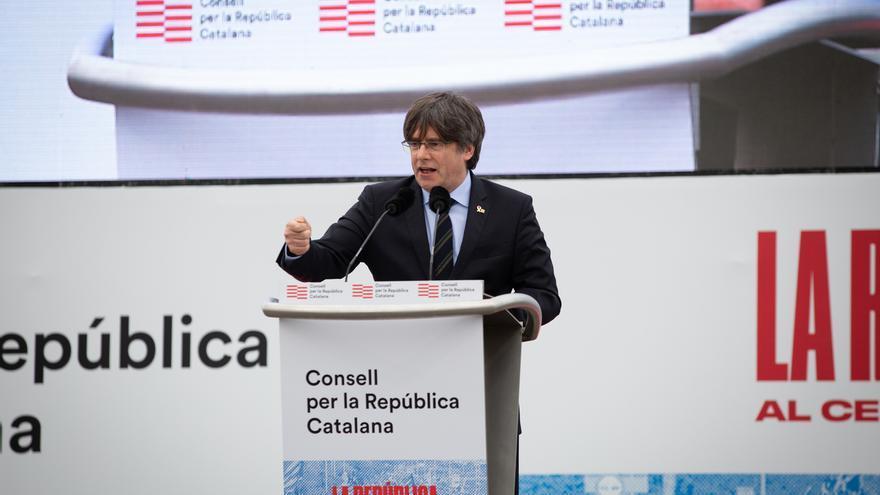 Puigdemont pide aglutinar el catalanismo independentista en un nuevo partido