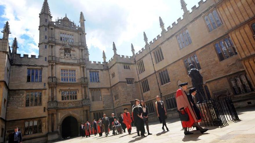 Las universidades de Cambridge y Oxford apenas admitieron negros en últimos años