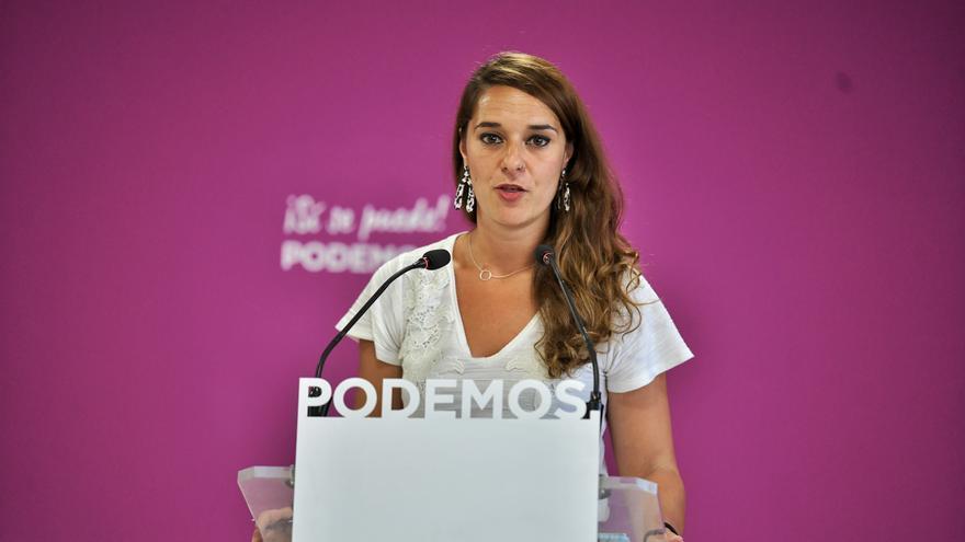 La portavoz de Podemos, Noelia Vera, durante la rueda de prensa de este lunes.