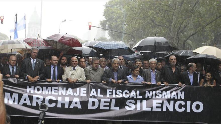 Marcha convocada por los fiscales argentinos en homenaje al fiscal Alberto Nisman en Buenos Aires.