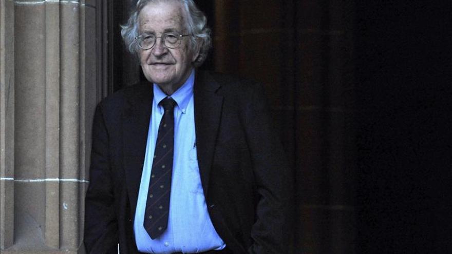 El Chomsky más actual, insurgente y claro a través de sus entrevistas