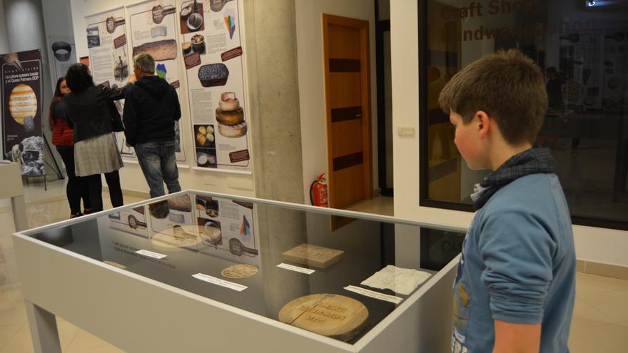 Exposición sobre la cultura quesera en el Museo Arqueológico.