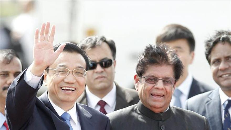 El nuevo líder chino Li inicia en la India su primera gira internacional