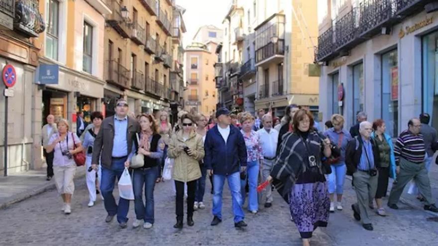 Un grupo de turistas en Toledo