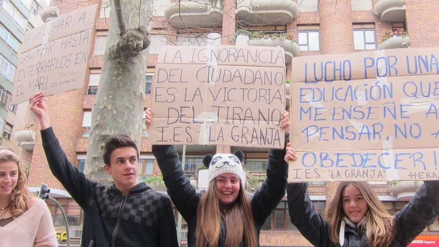 El Colectivo de Estudiantes cifra el seguimiento de la huelga en el 80% y Educación lo reduce al 20%