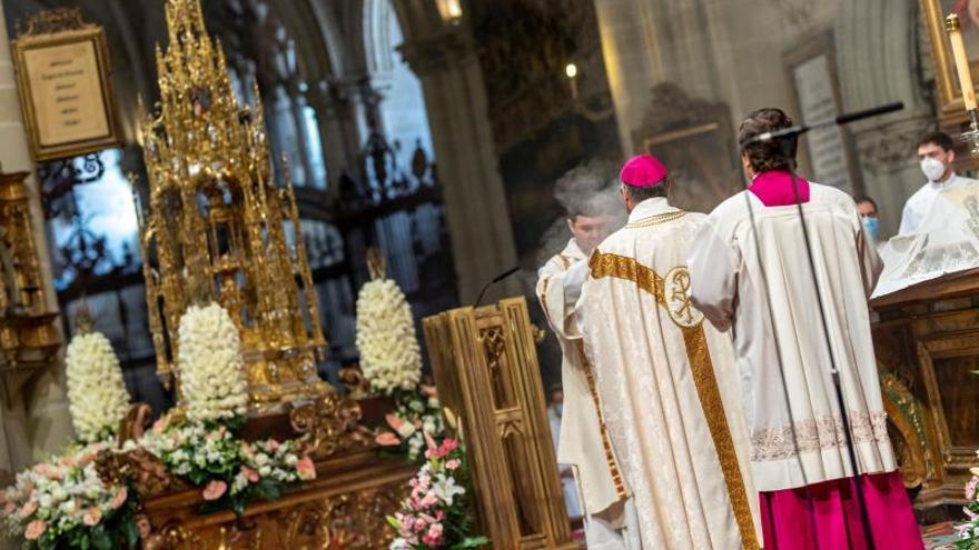 Toledo vive un Corpus 'excepcional' y la Custodia de Arfe sólo pasea por la catedral