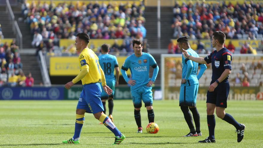Imágenes del partido entre la UD Las Palmas y el FC Barcelona en el Estadio de Gran Canaria. (Alejandro Ramos).