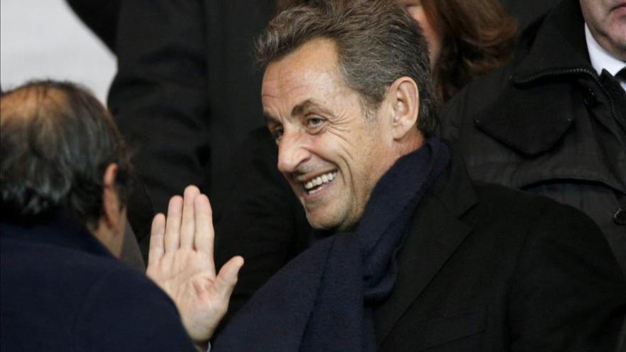 Sarkozy divide a su partido al proponer derogar el matrimonio homosexual