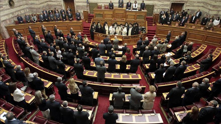 El Parlamento griego vota esta noche una moción de censura contra el Gobierno