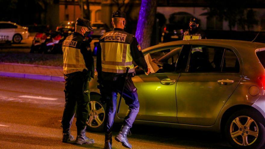 Casi 300 detenidos, 71 en Canarias, por usar permisos de conducir venezolanos falsos para obtener el carnet español
