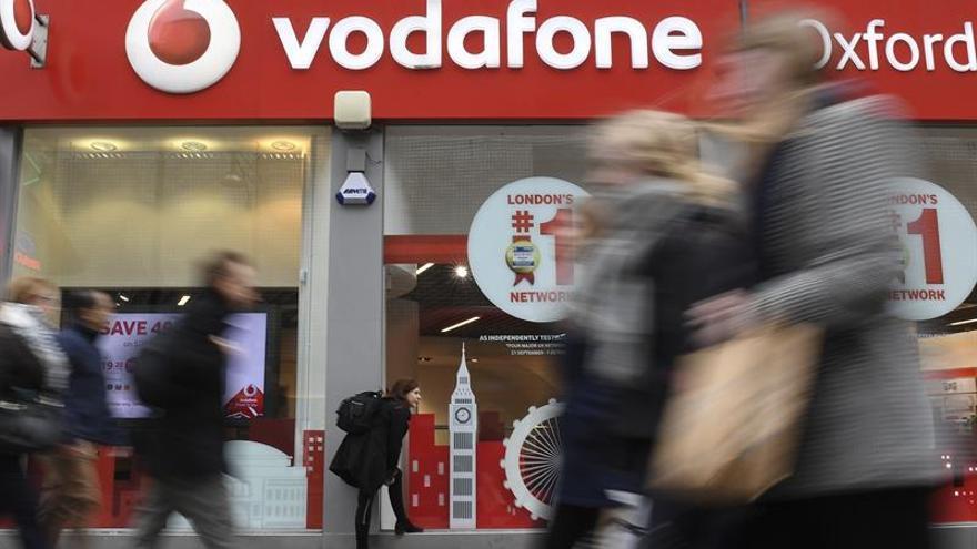 Los ingresos de Vodafone bajan el 3,3 % en el primer trimestre del año fiscal