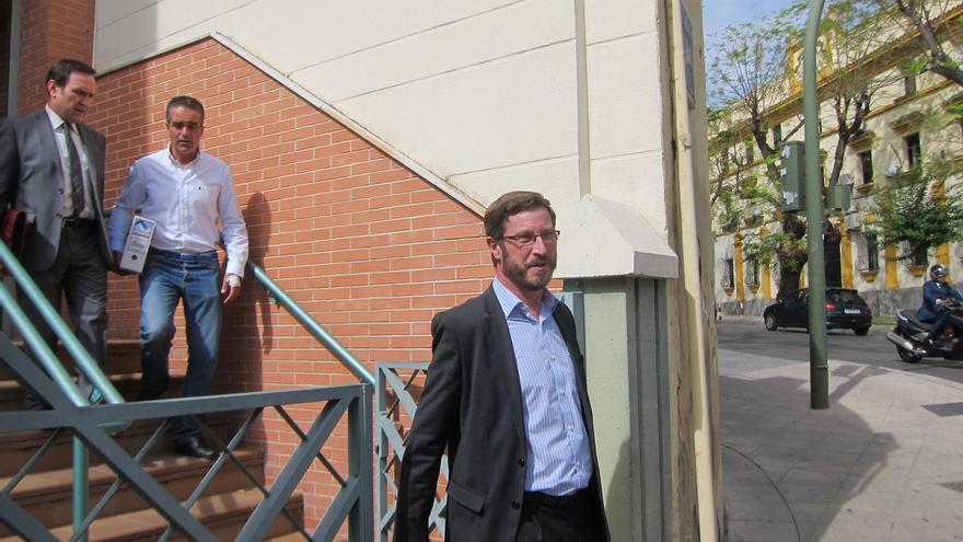 Contreras (PP) defiende la legalidad de la permuta y dice que por ahora no se plantea dimitir