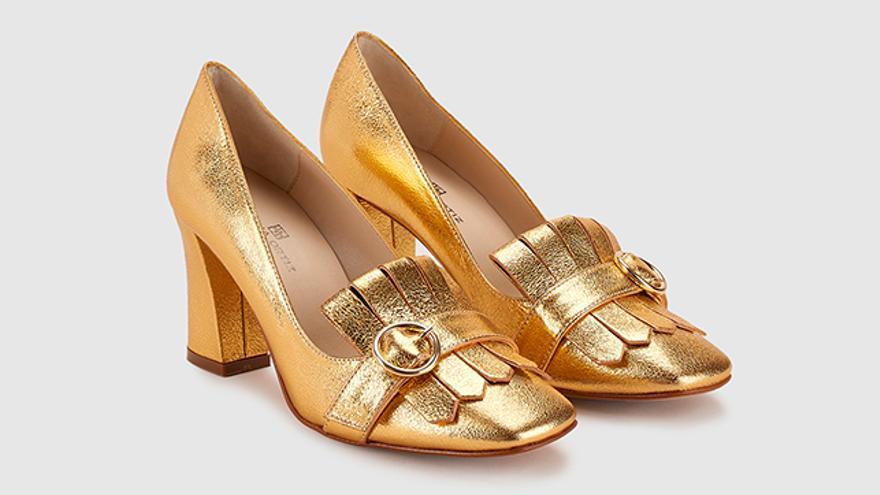 Zapatos de salón de mujer Gloria Ortiz de piel en color oro.