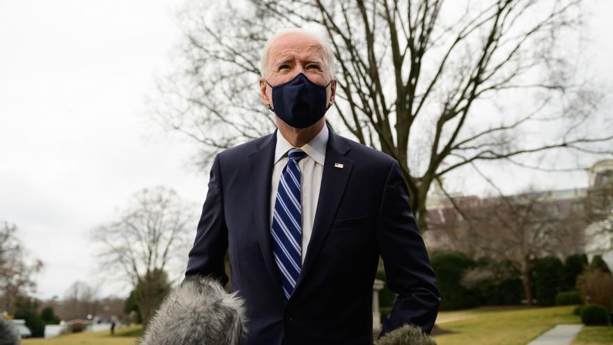 Biden pone el foco en las empresas mientras sube la presión por la frontera
