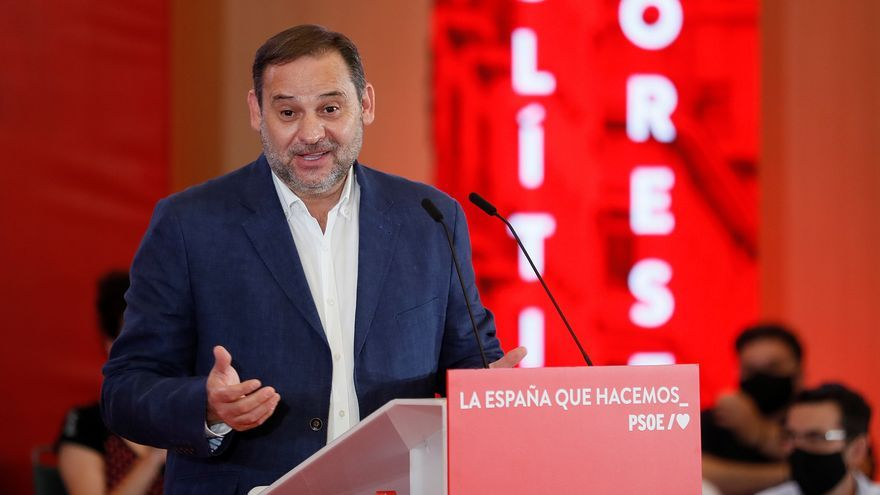 Sánchez seeks to fit Ábalos in the 'congress of unity' of the PSOE