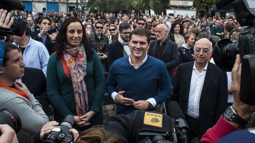 Albert Rivera junto a Carlos Pracht, candidato de Ciudadanos por Cantabria. | JOAQUÍN GÓMEZ SASTRE