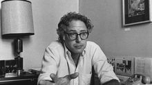 Bernie Sanders fotografiado en septiembre de 1981, seis meses después de ser elegido alcalde de Burlington, la mayor ciudad del estado de Vermont.