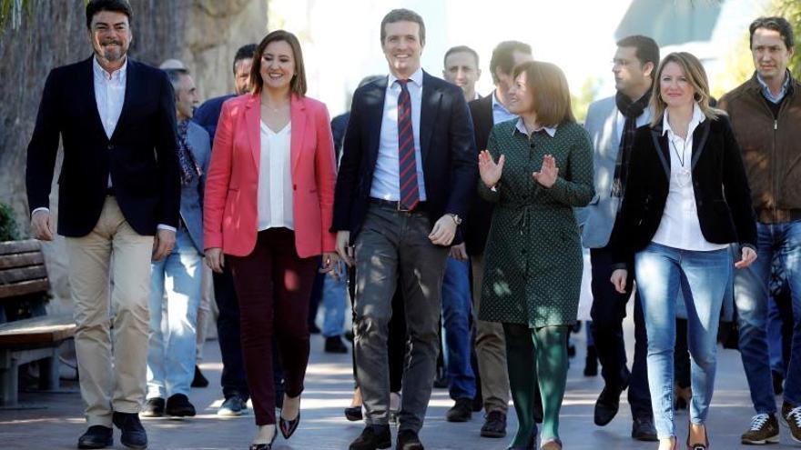 """Casado reivindica el legado del PP valenciano a pesar de sus """"sombras""""María José Catalá y Pablo Casado"""