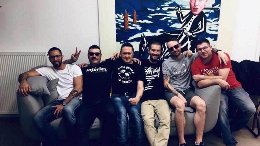 Valtonyc, Nega, Fermín Muguruza, Martin Plan B, Toni Mejías y Loren, en el festival Tingladu de Bruselas, el 26 de octubre.