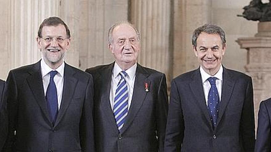 Los cuatro últimos presidentes junto al Rey en un acto oficial / Foto: Efe