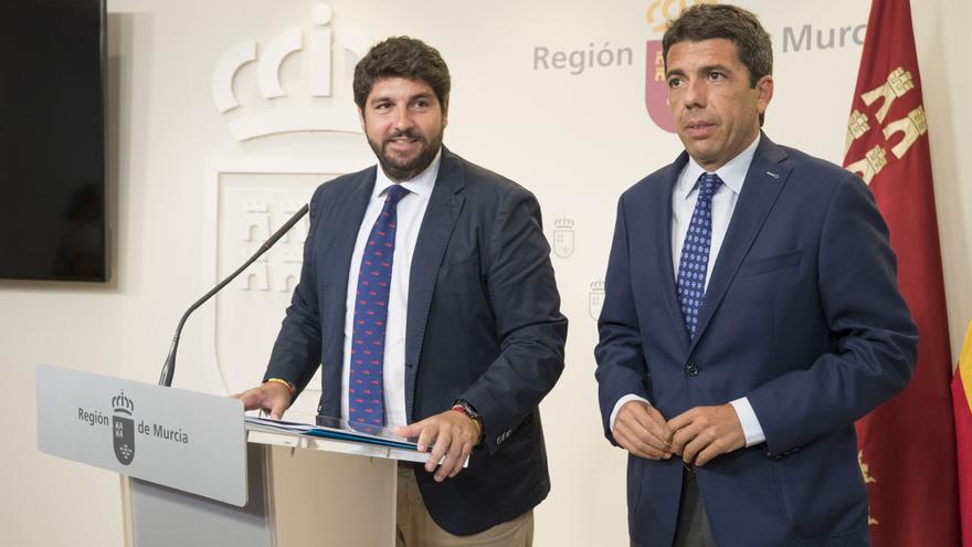 El jefe del Ejecutivo regional, Fernando López Miras, se reunió este lunes 12 de agosto con el presidente de la Diputación de Alicante, Carlos Mazón