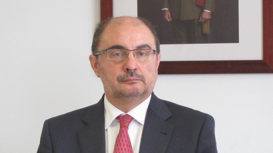 """El presidente de Aragón acusa a Montoro de tener """"de hecho"""" intervenidas a las CCAA y de tratarles como """"procónsules"""""""