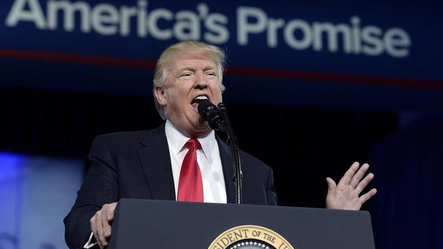 """Trump reitera que los medios son """"falsos"""" y el """"enemigo del pueblo"""""""
