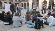 Activistas y colectivos sociales vuelven a la Porticada en el quinto aniversario del 15M