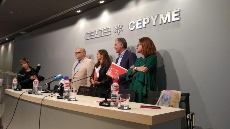 Javier Muñiz, Miriam Pinto, Lorenzo Vidal de la Peña y Montserrat Peña Martín en la presentación del Libro Blanco 'La educación importa'