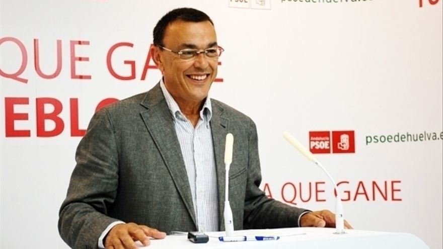 Ignacio Caraballo, presidente de la DIputación de Huelva, durante una comparecencia de prensa.