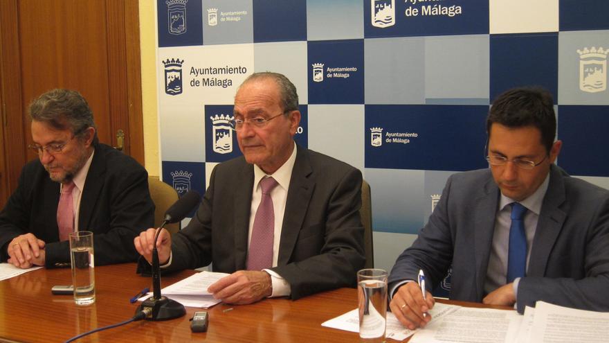 Ayuntamiento de Málaga se adherirá al decreto de exclusión, pero espera el dinero de la Junta antes de contratar