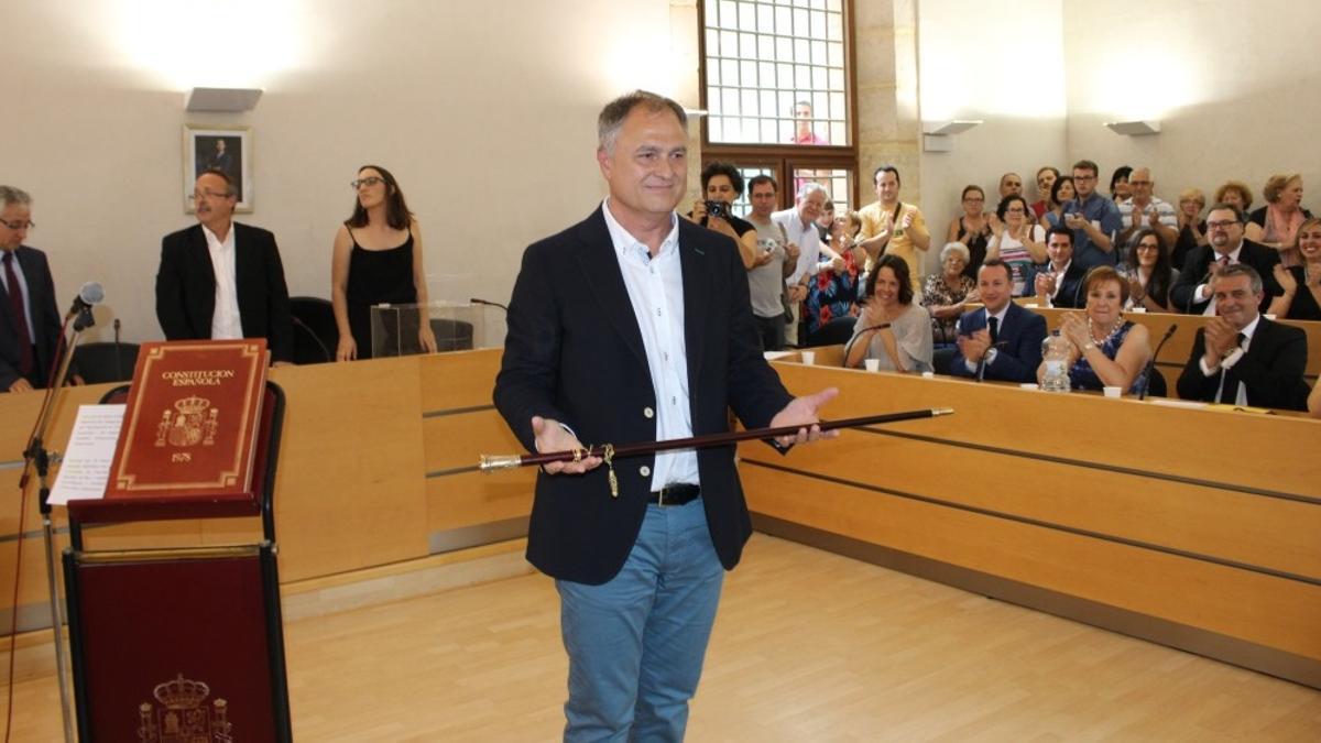 Manolo Civera, el dia de la seua presa de possessió de l'alcaldia al juny de 2019.