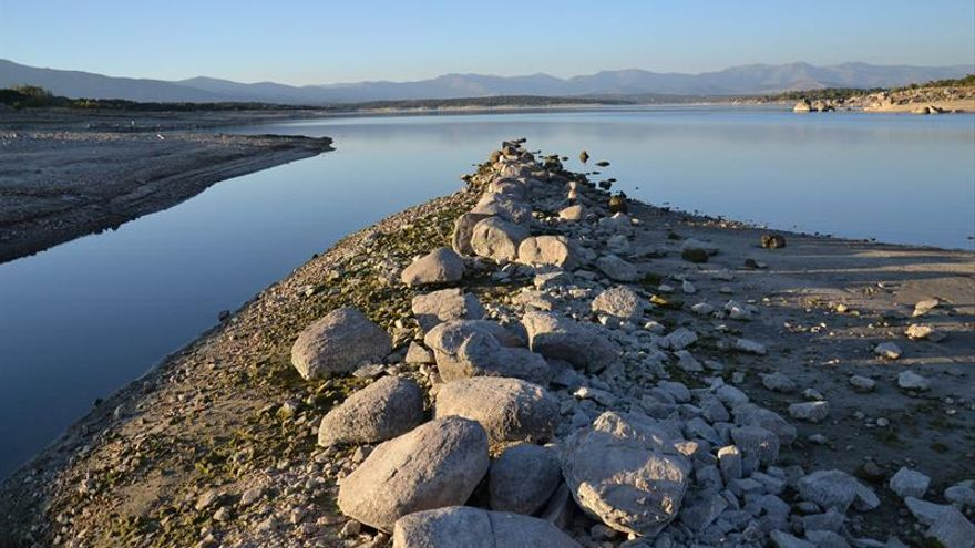 La reserva de agua disminuye un 0,4 % y se sitúa al 59,1 % de su capacidad