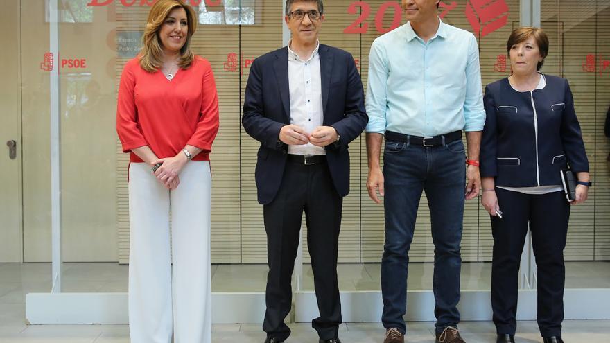Susana Díaz, Patxi López, Pedro Sánchez y Carmen del Riego, antes del debate