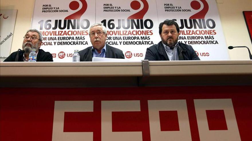 Los sindicatos piden al Gobierno que no se esconda tras los expertos