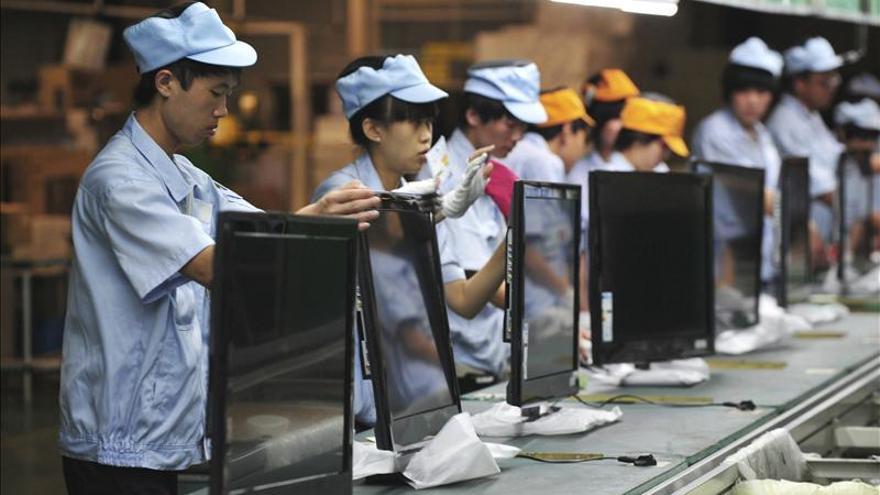 La actividad industrial china se contrae tras siete meses de expansión