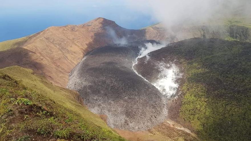 En declive actividad del volcán La Soufriere en San Vicente y las Granadinas