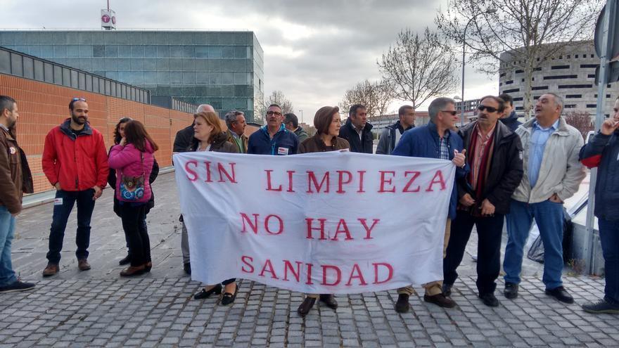 Concentración contratas de limpieza de Ciudad Real y Albacete