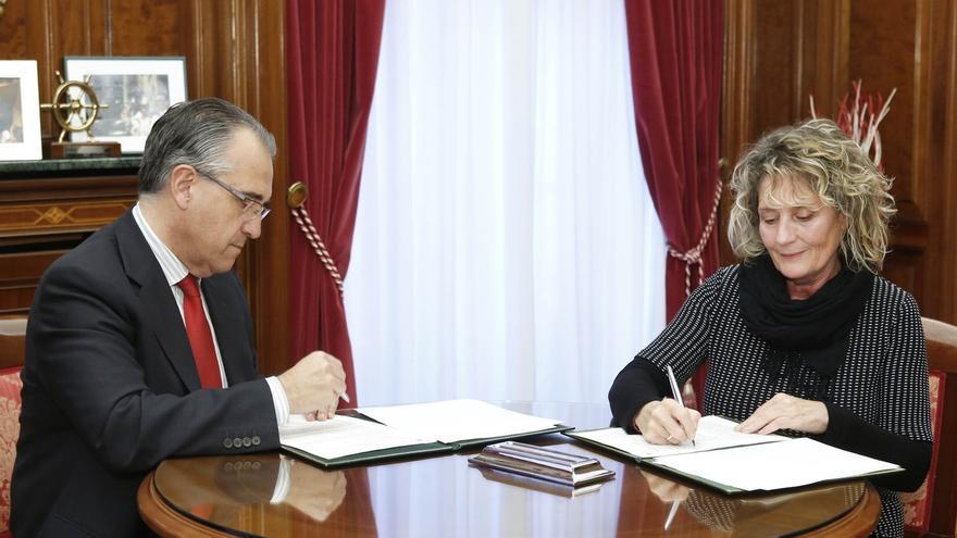 El Ayuntamiento de Pamplona firma un convenio con el Centro de Documentación y Biblioteca de Mujeres Ipes Elkartea