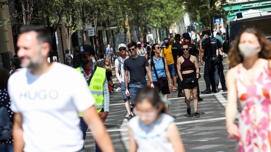 Madrid vive su primera mañana sin mascarillas obligatorias en la calle