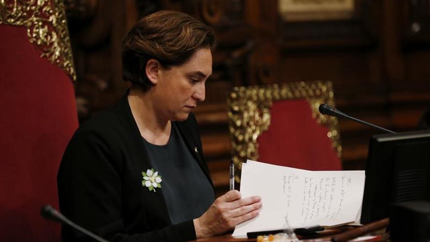 Colau presentará mañana un preacuerdo de gobierno con el PSC en Barcelona