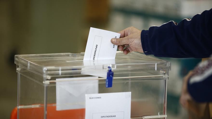 Con el 46% escrutado, EnComúPodem vence en Cataluña con 12 escaños