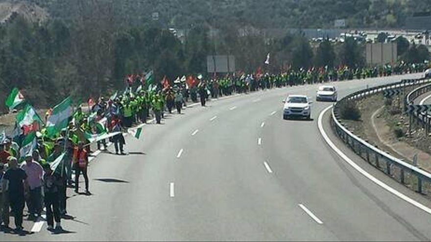Marcha de Córdoba que avanza en la columna andaluza hacia Madrid