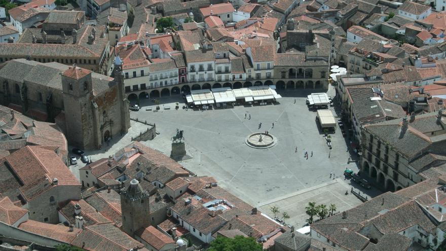 Vista aérea de la Plaza de Trujillo tomada en la Vuelta Aérea Turística a Extremadura / Cedida a la Junta de Extremadura
