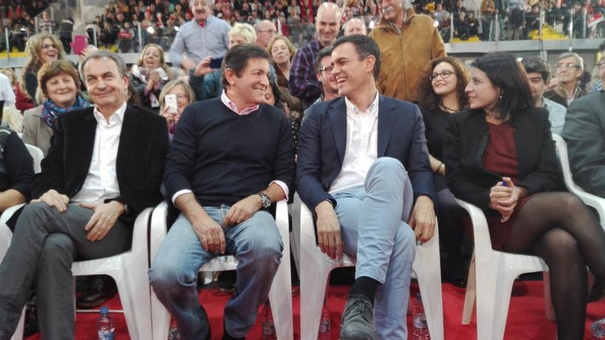 """Zapatero avisa de que Ciudadanos está sacando el programa que el PP ya """"dejó en el cajón hace diez años"""""""
