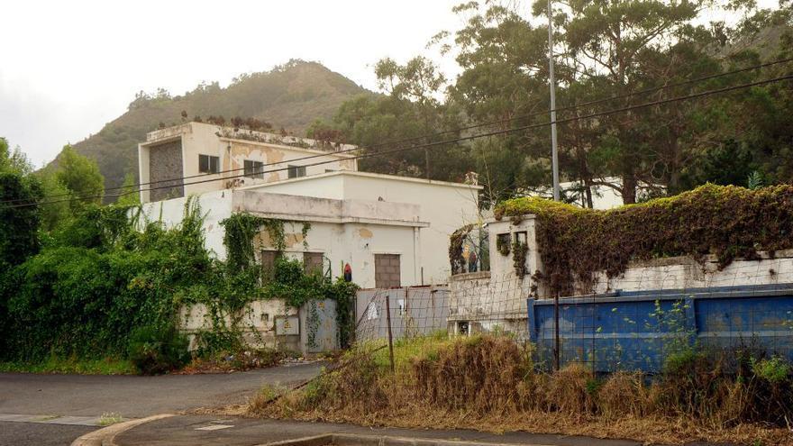 Vista parcial del cuartel de Las Canteras, en su estado actual de abandono, en La Laguna