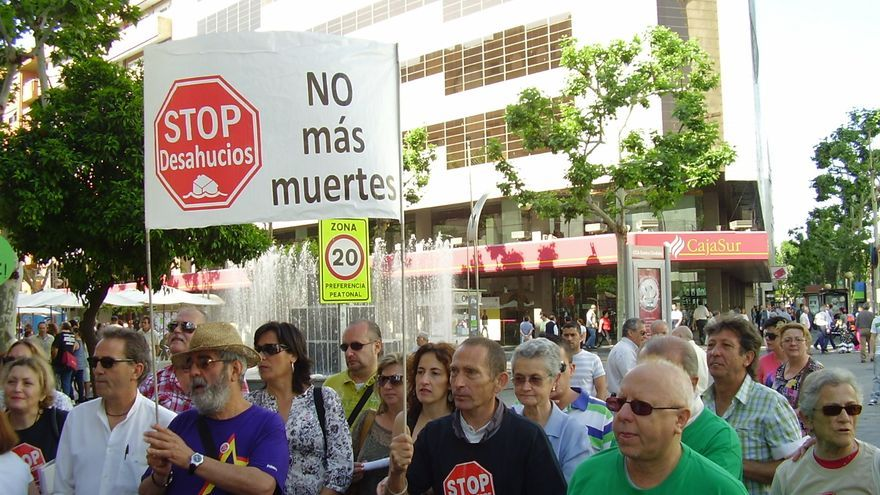 Familias amenazadas de desahucio se concentran en Córdoba