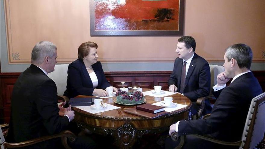 Dimite la primera ministra de Letonia ante las tensiones en la coalición de gobierno