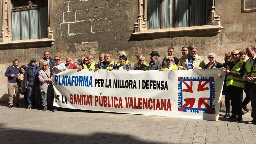 Varios miembros de la Plataforma por la Defensa de la Sanidad Pública del País Valencià